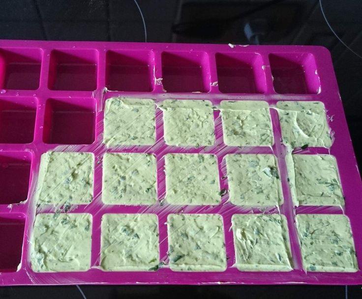 Rezept Bärlauchbutter von Chrissy_2016 - Rezept der Kategorie Saucen/Dips/Brotaufstriche