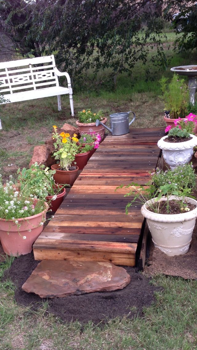 My pallet walkway. One day project. Zero dollars.