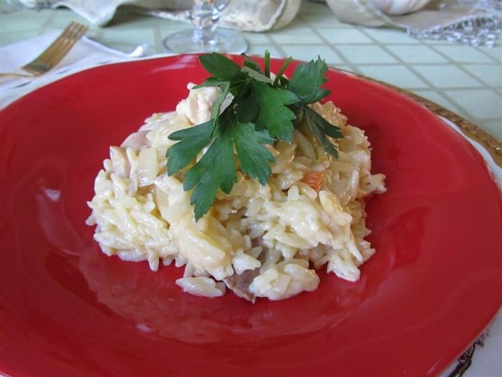 Creamy Chicken and Orzo: Yummy Recipes, Yummy Food, Chicken Dishes, Pasta Dishes, Simple Fare, Main Dishes, Fairly Simple, Creamy Chicken