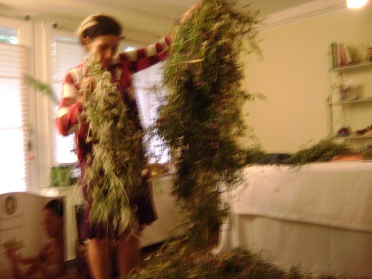 Spread hayflowers to dry