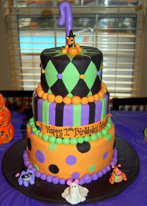 fondant cake with fondant figurines of pooh eeyore tigger and piglet all in their halloween costumes this was for my sons first birthday party on - Baby Halloween Birthday Party