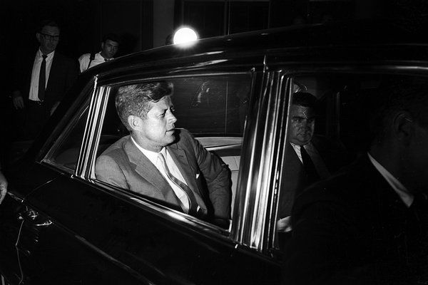 1963. Août. President John F. Kennedy at Boston Children's Hospital where his son Patrick died on Aug. 9, 1963, just 39 hours after being born 5 1/2 weeks premature. At the time, medicine had little to offer premature babies with respiratory distress. PAUL SLADE / PARIS MATCH, VIA GETTY IMAGES