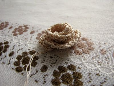 Little Treasures: Last minute gifts - Crochet earrings and ring