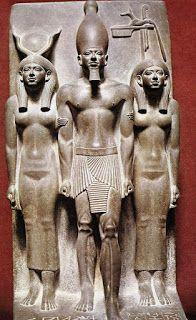 Geografía, Historia y Arte: CARACTERÍSTICAS DE LA ESCULTURA EGIPCIA
