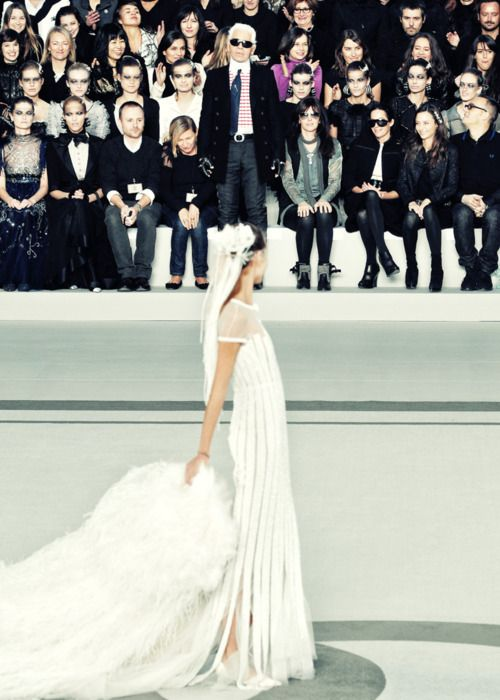 A pure wedding dress by Chanel and Karl Lagerfeld. Great pic!