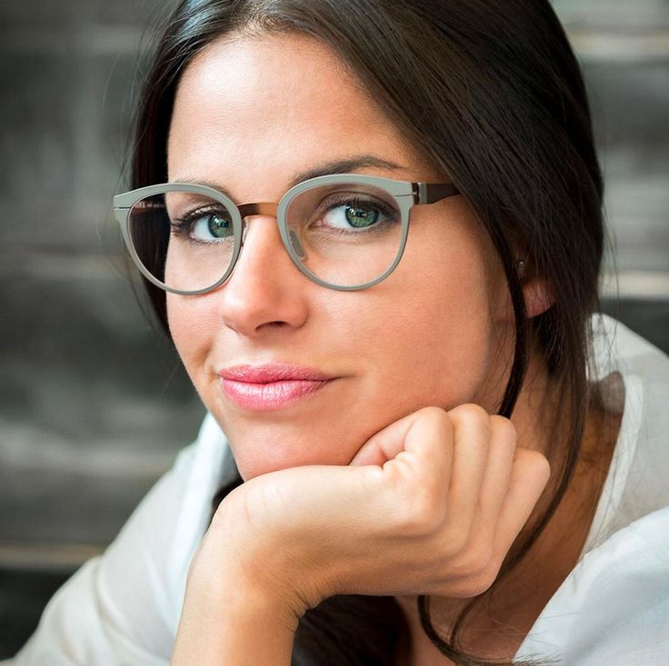 Sophisticated and elegant, the Side Circle frame transmits a visible sensation of matter thanks to contrasts between front piece, bridge and temples.  Side Circle / Model EB-502 S73  #eblock #colour #eyewear #madeinitaly#glasses #occhiali #occhialidavista#newmodels #newtechnologies #new#foryoureyesonly #occhialibelli#eyewearculture #eyewearfashion#eyewearstyle #fashion #moda #dolomiti#cadore Ph Nicola Brollo #followus on www.eblock.it