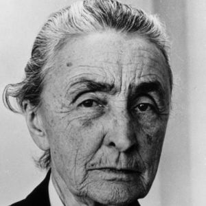 Georgia O'Keeffe Biography - Facts, Birthday, Life Story - Biography.