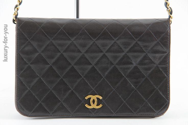 Chanel Chainbag / Flap aus Leder in Schwarz