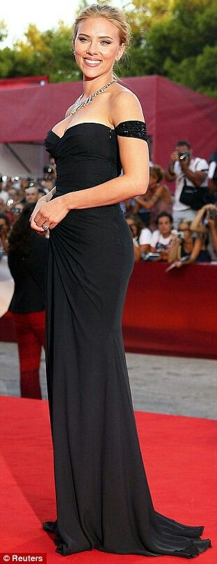 No ifs or buts about it, Scarlett dressed like the bombshell she is in this curve-consciousVersace gown for the Venice Film Festival. Between the off-the-shoulder cut and sweetheart neckline, she proved black is never basic when it looks this sexy.