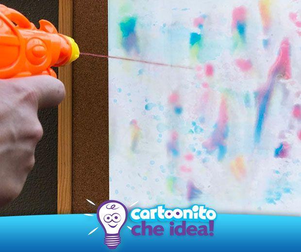 Giochiamo con la creatività usando una pistola ad acqua carica di colori! Tutte le istruzioni su #Cartoonitocheidea