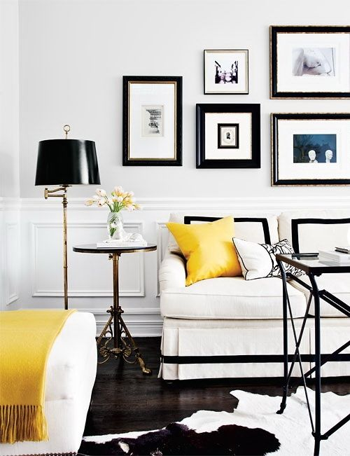 Clean/light/black: Living Rooms, White Living, Home Interiors, Black And White, Galleries Wall, Interiors Design, White Rooms, Black White, Yellow Accent