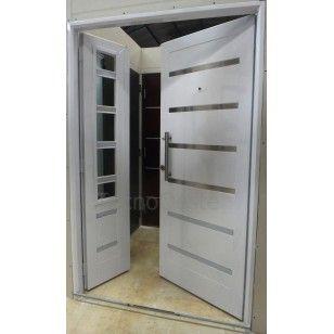 Las 25 mejores ideas sobre puertas de entrada dobles en for Puertas de metal con vidrio modernas