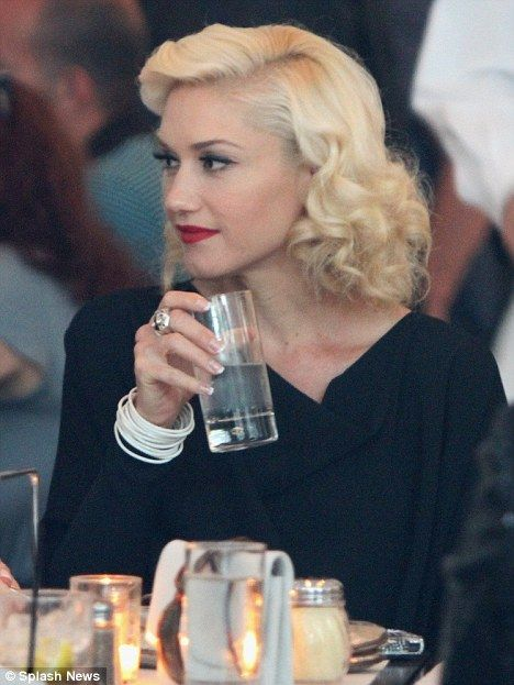 Gwen Stefani out-glams her girlfriends on rare night out included dinner and Lady Gaga | Mail Online