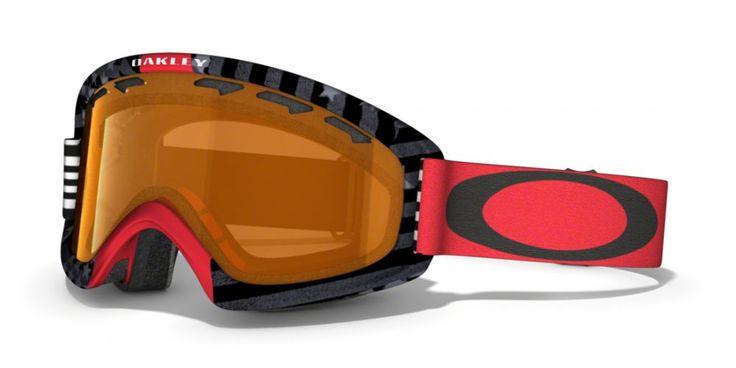OAKLEY O2 XS SW SIGNATURE női síszemüveg. Snowboard szemüveg mely a kisebb méretű arcokhoz illeszkedik. A csökkentett koponya geometria kisebb fejekhez lett igazítva.   Ütés és karc álló Lexan® lencse biztosítja a tökéletes látást! OLVASS TOVÁBB!