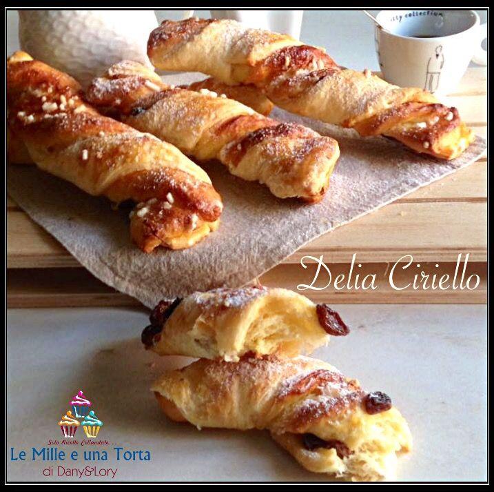 KRANZ RICETTA DI: DELIA CIRIELLO Dose per circa 15 pezzi ingredienti: per la pasta lievitata: 300 gr di farina 30 g di zucchero 40 g di burro