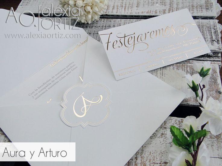 Invitaciones de boda blancas y doradas impresas en hotstamping / wedding invitations