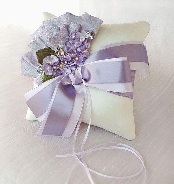Hydrangea lavanda fiesta jardín anillo de seda por EmiciBridal, $50.00