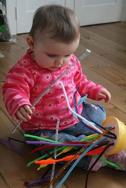 """""""Threading"""" pipe cleaners: Clay, Cleaners Plays, Fun Activities, Kids Activitiesgam, Toddlers Games, Discovery Boxes, Pipe Cleaners, Imagine Trees, Baby Learning"""