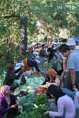 Sunday Market, Bandung.The street is closed every Sunday morning for this market.Indonesia