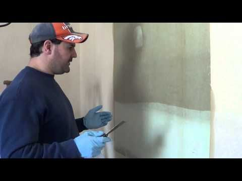 This guy is great! Love him! ▶ How to remove Wallpaper the right way with no chemicals - YouTube