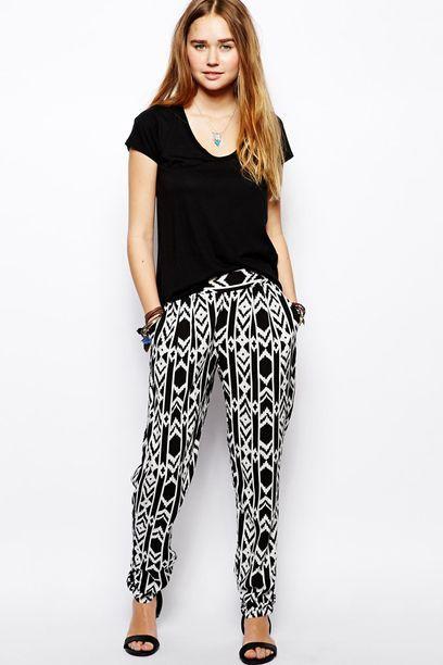 Primavera 2015. Pantalones estampados en blanco y negro: