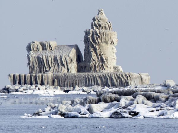 West Pierhead Lighthouse, Cleveland, OH -- encased in ice December 2010