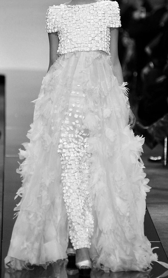 Runway Elegance - b&w haute couture dress with textured embellishment // Chanel Spring 2009
