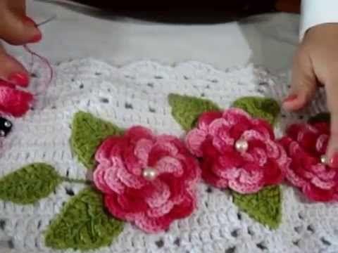 como fazer aplicação de flores e folhas em trabalhos de croche - YouTube