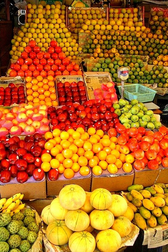 Fruit market in Bangalore, India