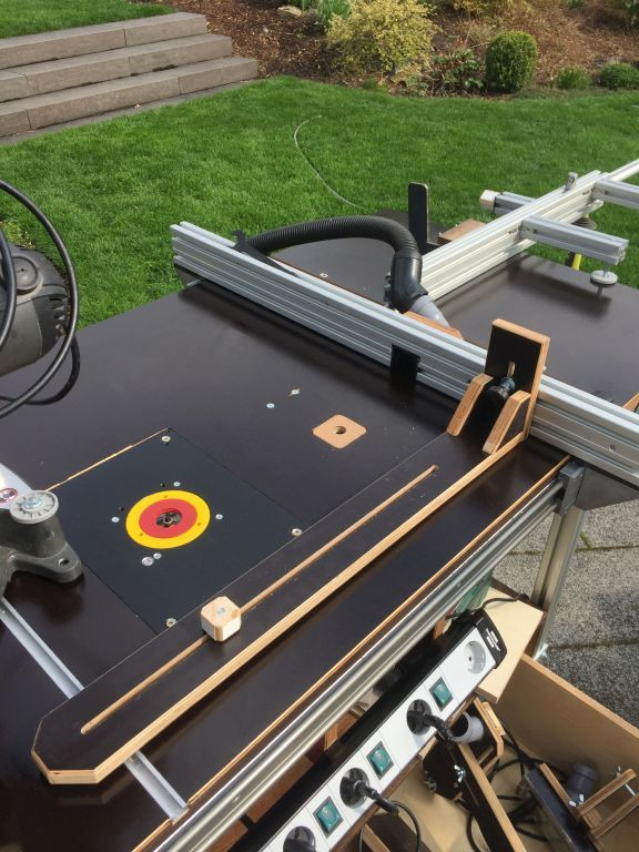 Multifunktionstisch Zum Sagen Frasen Und Schweissen Holz Und Leim 2019 Woodworking Techniques Woodworking Tools For Beginners Woodworking Kits