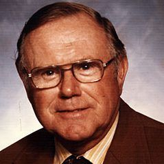 [Serious] Robert Parins the president of the Green Bay Packers from 1982-88 has passed away at 98  http://ift.tt/2r0nwSf Submitted May 27 2017 at 07:42PM by JaguarGator9 via reddit http://ift.tt/2rtdIS2