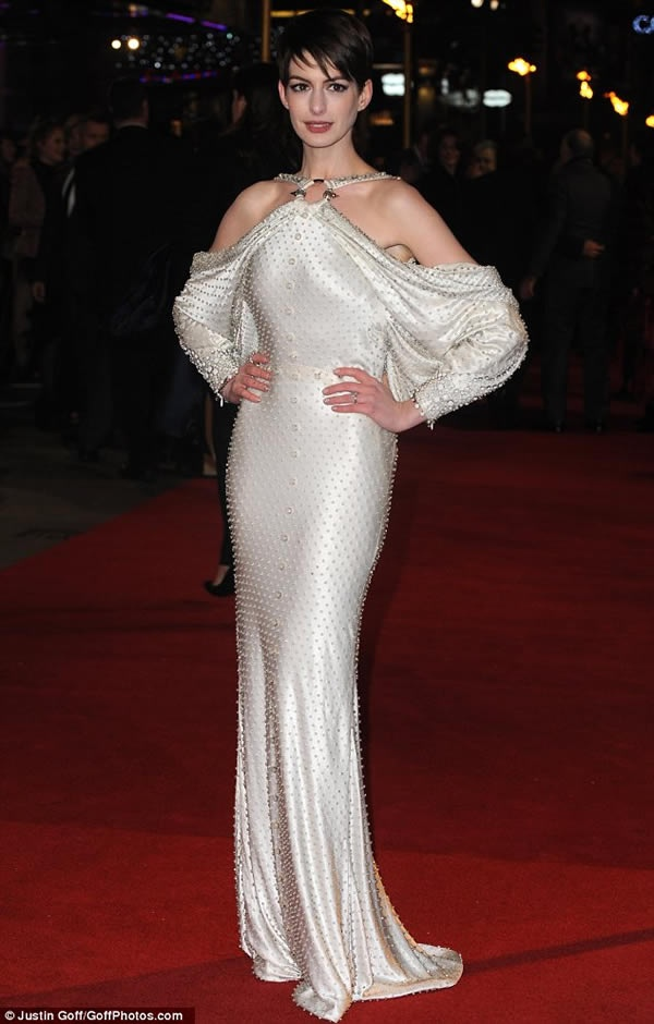 Les Miserables Premiere: Anne Hathaway Shows off Her Daring Backless Pearl Studded Gown