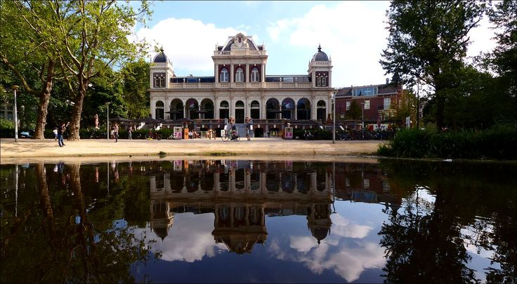 'Vondel CS' - het nieuwe AVRO-TROS Vondelparkpaviljoen, voorheen het Filmmuseum, met café Vertigo...  http://www.marketingtribune.nl/food-en-retail/nieuws/2014/01/vondelpark-cs-nieuwe-naam-avro-tros-vondelpark-paviljoen/index.xml