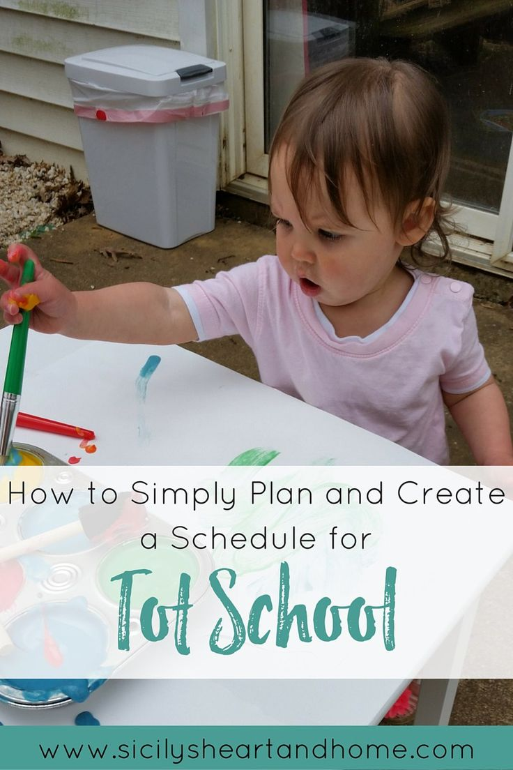 How to Plan for Tot School | Tot school should be simple, fun, and stress free. Learn how to plan activities that meet your toddler's needs and follows their interests. I talk about how to find the perfect Tot School schedule for your toddler. Click through to read more, plus get a free Tot School planner.