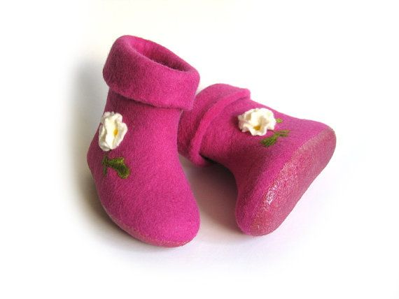 Cyclamen booties for girl-Pink hight home slippers for children-Wool felted slippers for girl Handmade shoe for kid