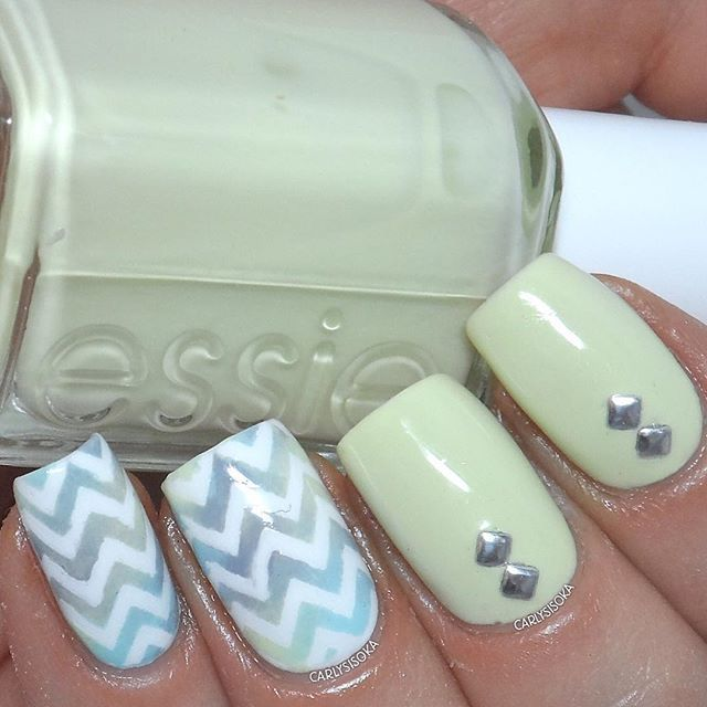 Mejores 246 imágenes de Nail Art: Rhinestones & studs en Pinterest ...