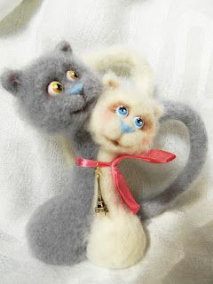 "How to needle felt cats tutorial. NOTE TO MASTER CLASS: ""Twin CATS"" by ELLA SUFEEVA (Elche) - blog - May 10, 2012. Dramatic change in interest due to use of reverse needle. Before & after comparison."