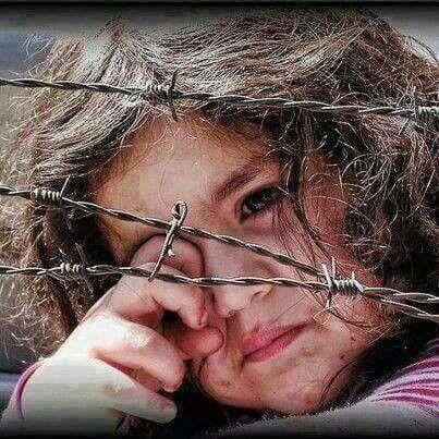 Impactante imagen de niña refugiada de Siria. Cuándo será el día que los políticos terminen con éstas realidades...