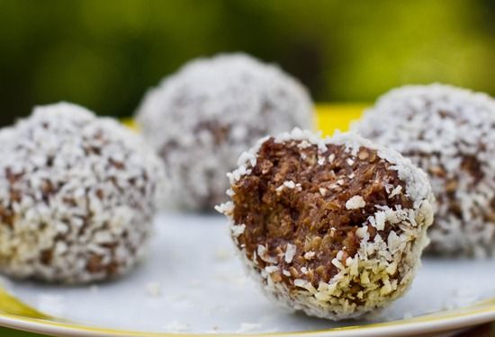 "Anything named a ""Flax GLOWBALL"" must be good...: Vegan Recipes"
