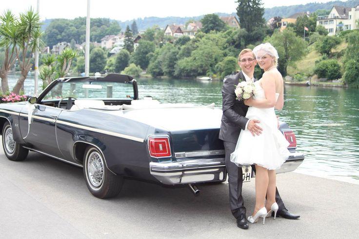 Auto & Brautpaar