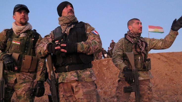 """Fred, Pascal et Kim, trois volontaires français partis combattre Daesh aux côtéEn Irak, """"l'unité 732"""", un groupe de combattants volontaires français, est venue se battre contre Daesh, en s'intégrant dans les rangs des Peshmergas kurdes. Ils ont décidé de s'engager contre Daesh. Fred, Kim et Pascal font partie de l'""""Unité 732"""", un groupe de combattants volontaires français ayant rejoint les rangs des Peshmergas kurdes pour se battre contre Daesh à Doqouq, au nord de Bs des Peshmergas, en…"""