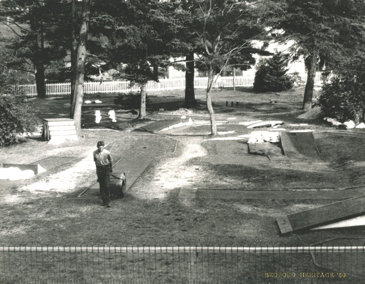 The property behind the Chickenburger once had an outdoor mini putt.