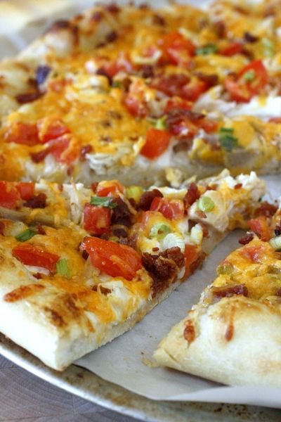 Chicken Bacon Ranch Pizza - made with ranch dressing and super easy to make! #ad