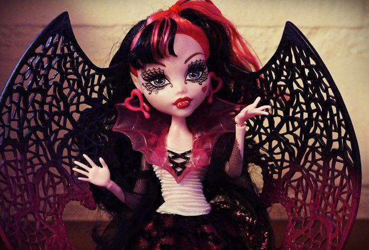 Draculaura ~ Ghouls rule