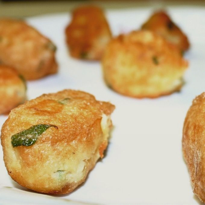 Chek our #spanish #cod #croquettes #traditional #recipe and make your guests get adtonished with them. Very easy and more yummy! http://www.coolfoodvalencia.com/spanish-cod-croquettes/