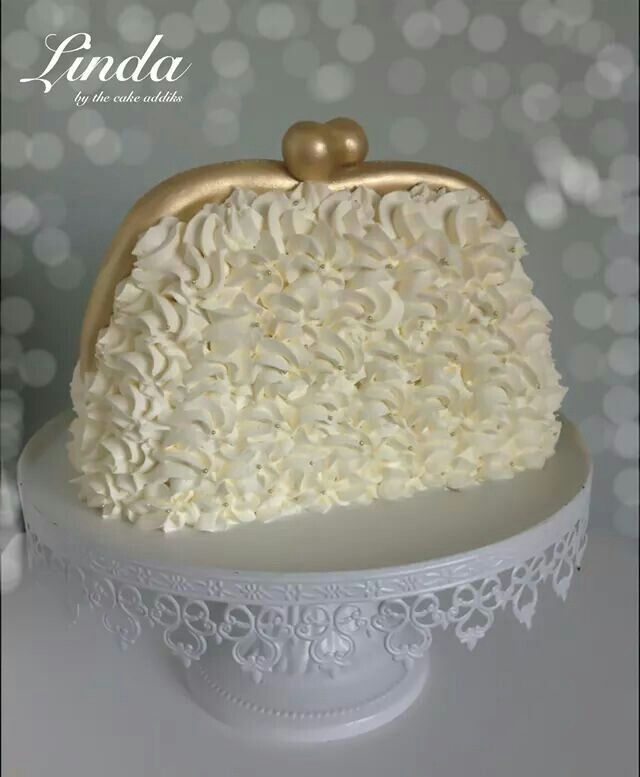 Purse buttercream cake