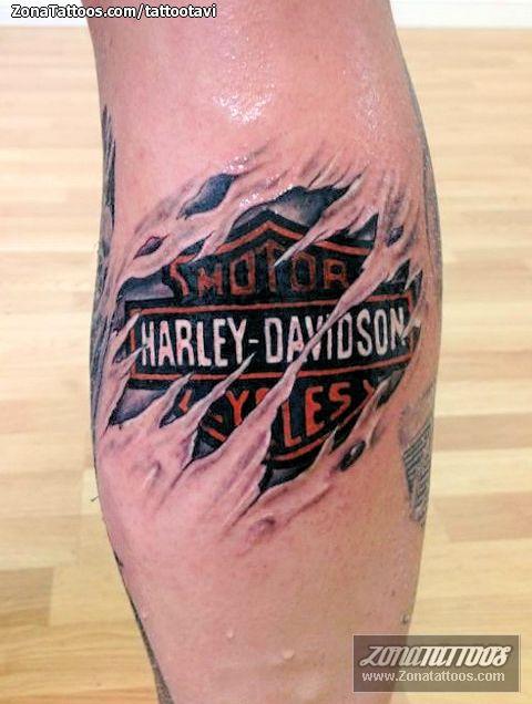 Tatuaje de / Tattoo by: tattootavi