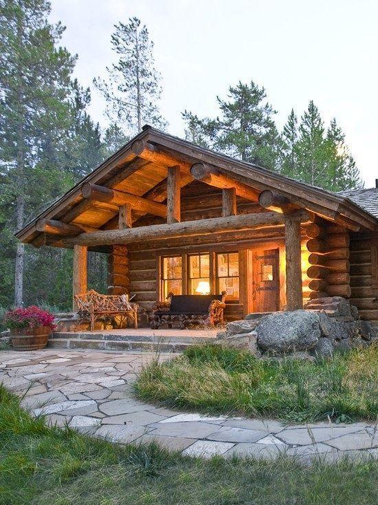 Blockhütte im Wald | Blockhütte im Wald .. | Tra…
