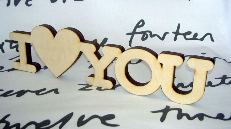"""фраза для декора интерьера или подарка для любимых """"я люблю тебя"""" вырезано из фанеры, толщиной 12 мм"""
