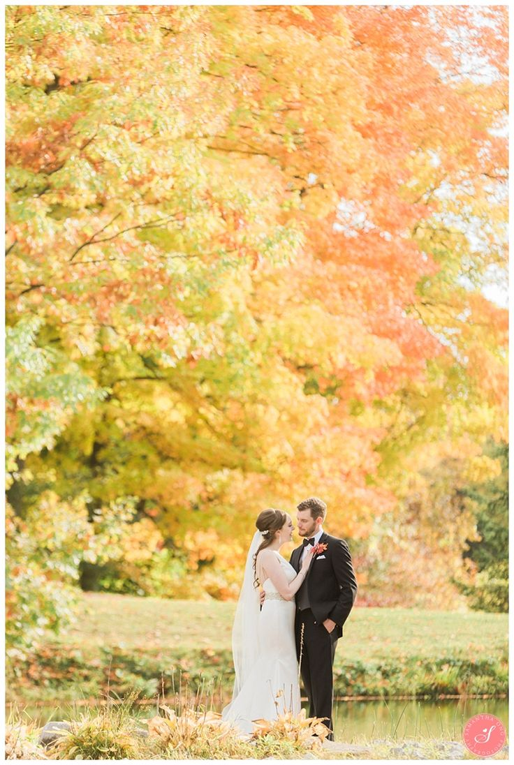 trillium-trails-oshawa-fall-rustic-wedding-photos-24